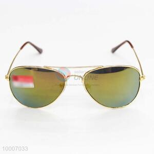 Fashionable Sunglasses with metal frame
