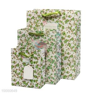 Medium size wholesale new style gift paper bag with soft handle
