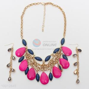 Rose-carmine beads necklace and earrings set