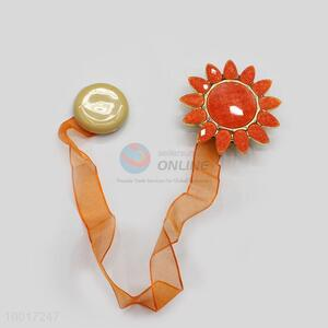 Fashion Decoration Sunflower Design Curtain Buckle in Sharp-angled
