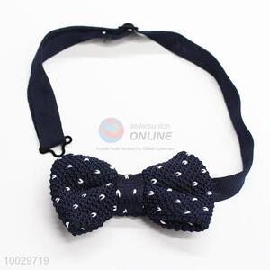 Dark blue heart-shaped pattern bow tie