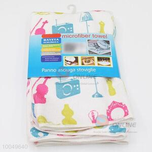 Hot Sale 40*45cm Polyester Cleaning Towel with the Pattern of Colorful Figures