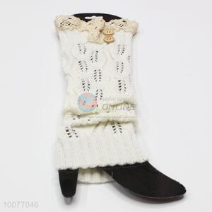 Promotional White Winter Knitted Ruffles Lace Leg Warmers with Buttons