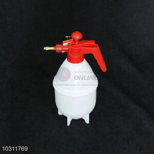 1.5L Output Refillable Water Plastic Spray Bottle