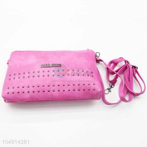 Newest New Arrival Pink Color Rivet Decoration Messenger Bag with Cheap Price