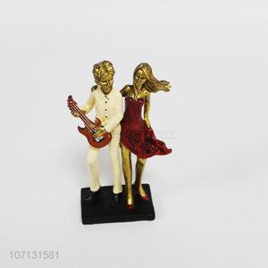 New design home decoration resin couple figurine resin crafts