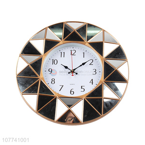 Hot Selling Modern Round Hanging Wall Clock For Home Decoration