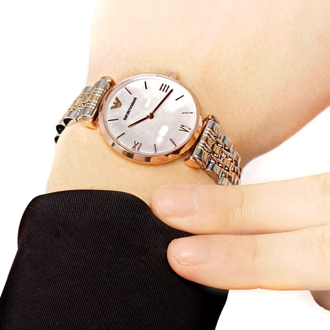 Buying One Watch for Yourself To Avoid Lateness